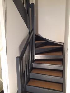Peinture en deux composants sur escaliers