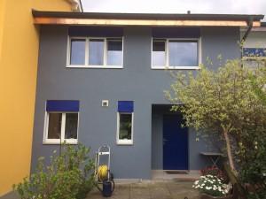 Lavage façade à haute pression, traitement anti-moisissure. Retouche crépis et peinture
